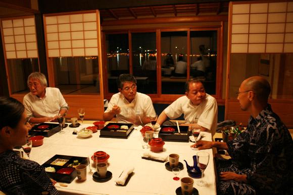 Kyoto Daimonji Viewing Party at Hirosawa Pond Villa 嵐山広沢池 五山送り火鳥居形