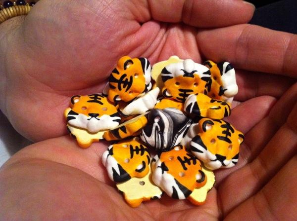 Handmade Lauhu Tiger Buttons